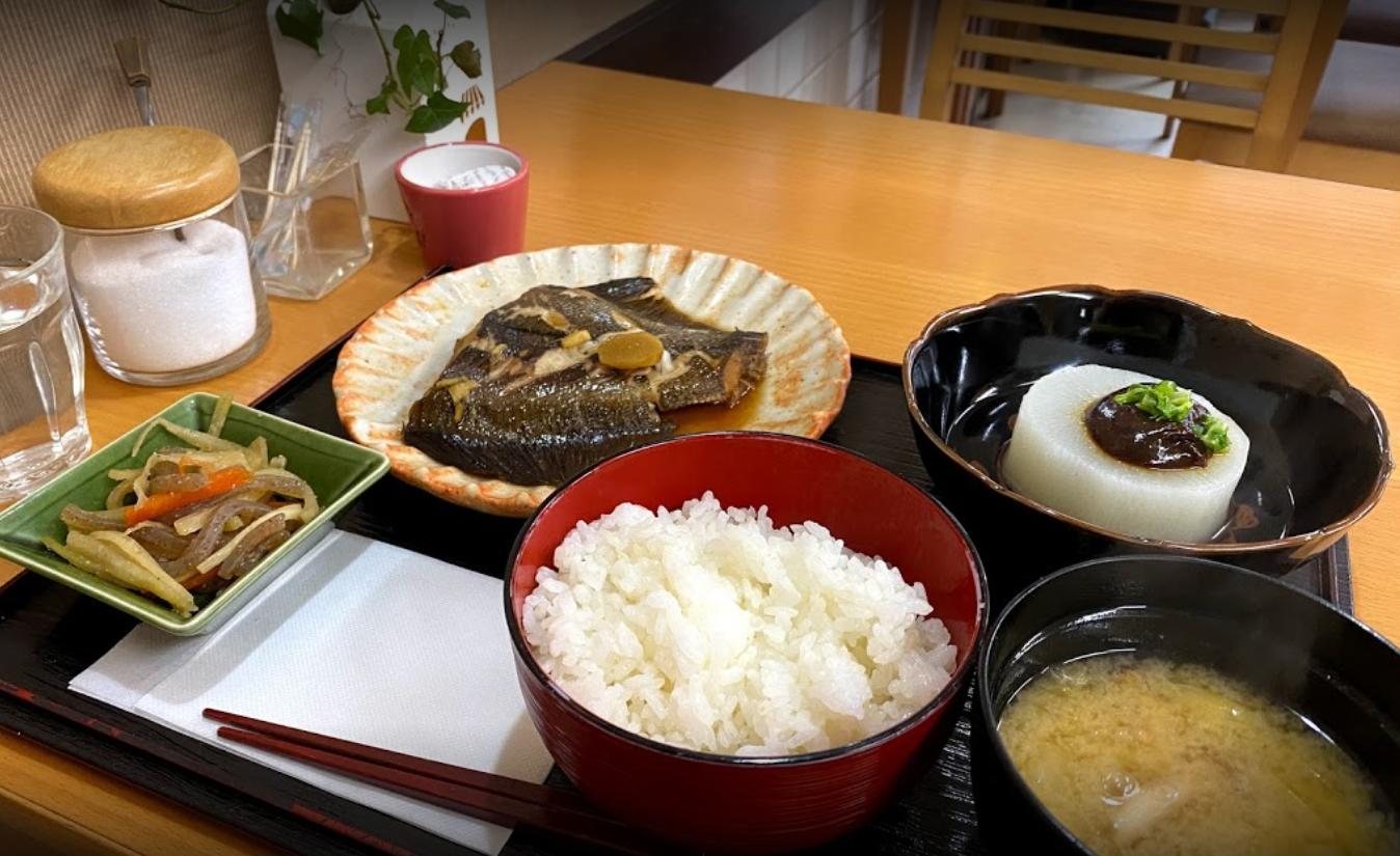金沢文庫駅すぐ!Wifi・電源のあるゆっくりできる穴場カフェ「カフェプラス」の日替わりランチ